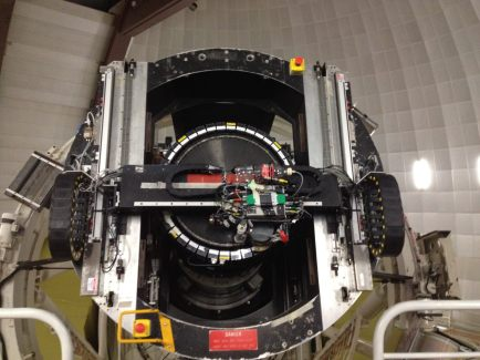 The high tech pressure vessel attached to the 2dF fiber positioner robot at the AAT. Photo credit: Anna Sippel